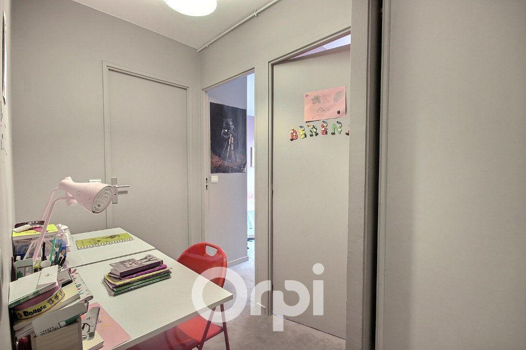 Appartement à vendre 4 96m2 à Boulogne-Billancourt vignette-9