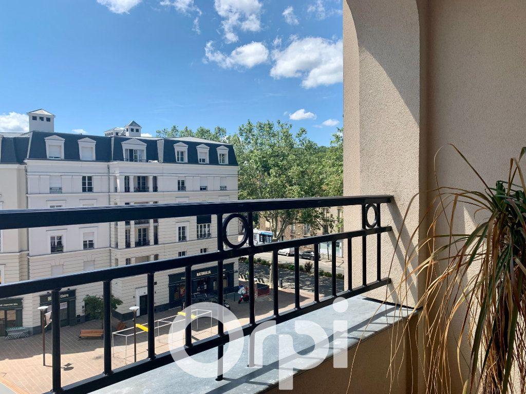 Appartement à louer 5 99.96m2 à Chaville vignette-5