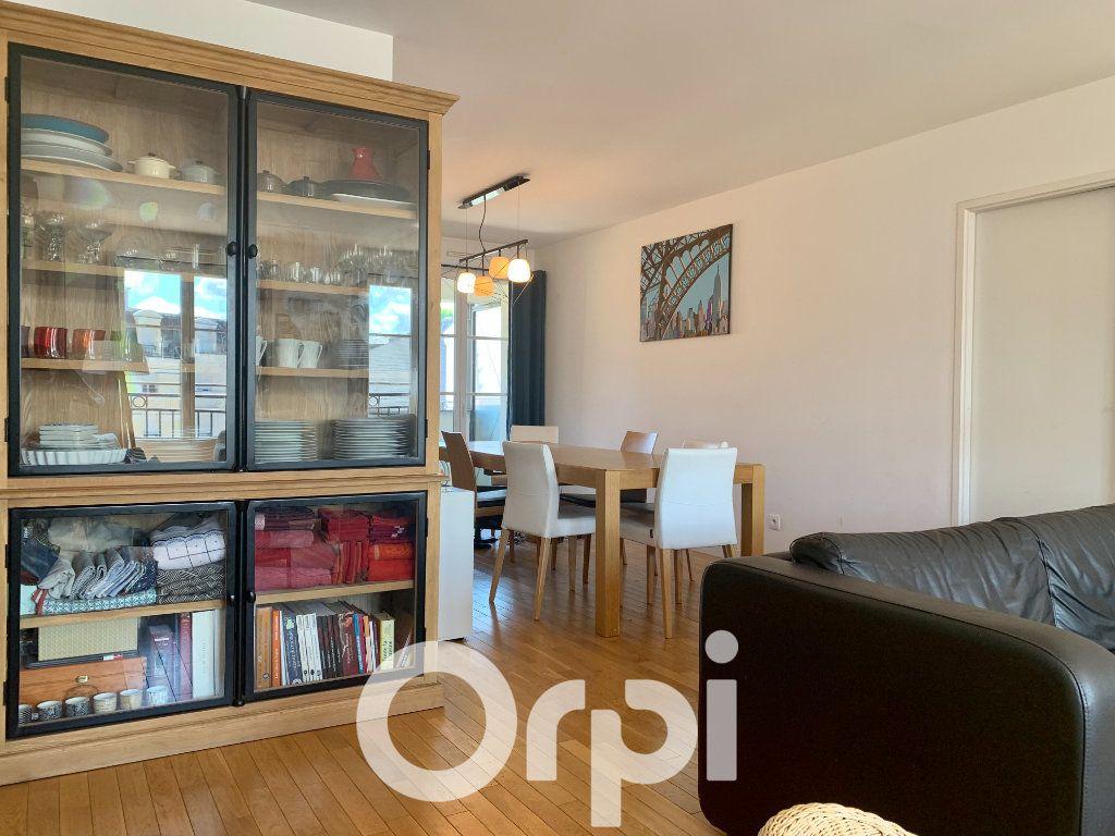 Appartement à louer 5 99.96m2 à Chaville vignette-7