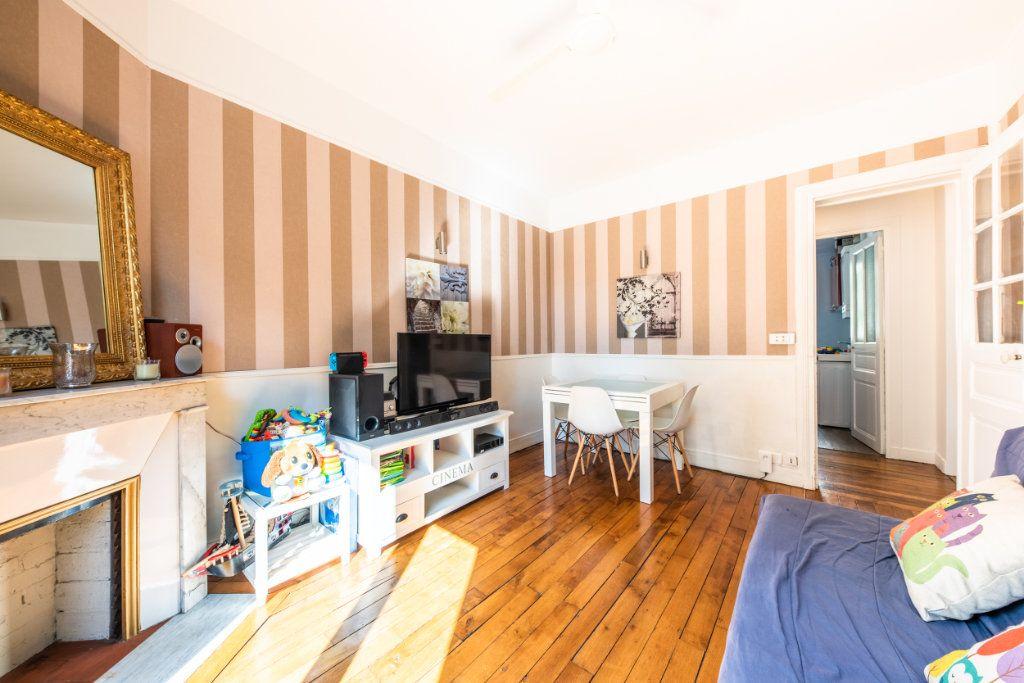 Appartement à louer 3 52.34m2 à Chaville vignette-2