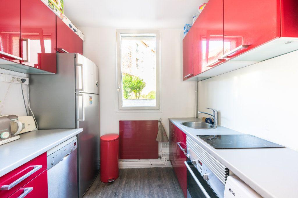 Appartement à louer 3 52.34m2 à Chaville vignette-3