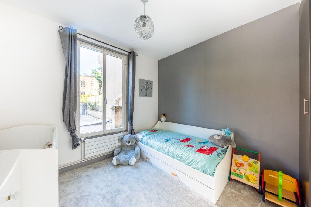Appartement à louer 3 52.34m2 à Chaville vignette-4