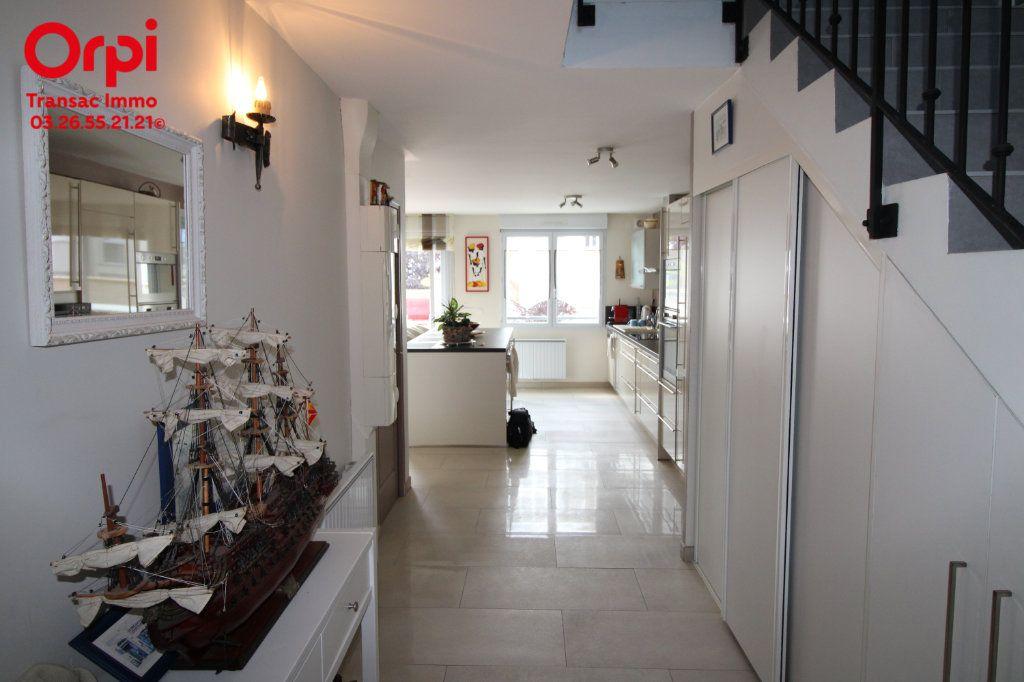 Appartement à vendre 6 167m2 à Épernay vignette-5