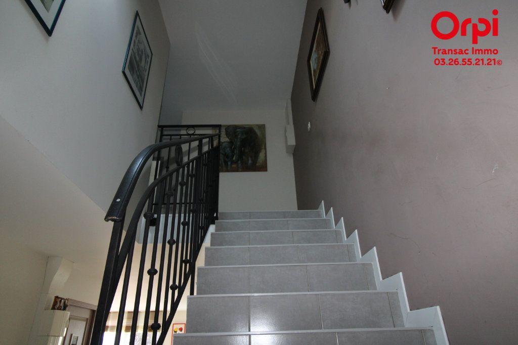 Appartement à vendre 6 167m2 à Épernay vignette-6