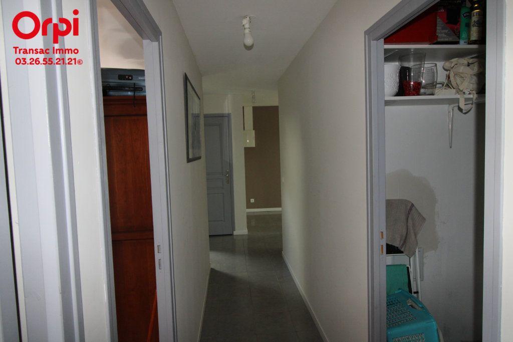 Appartement à vendre 6 167m2 à Épernay vignette-9