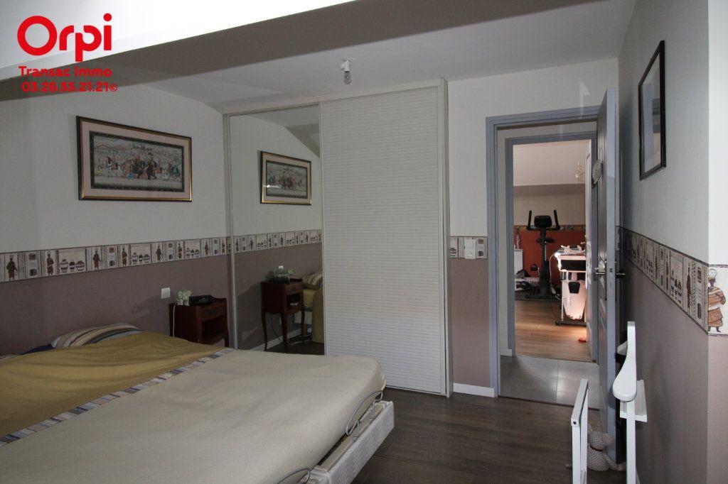 Appartement à vendre 6 167m2 à Épernay vignette-13