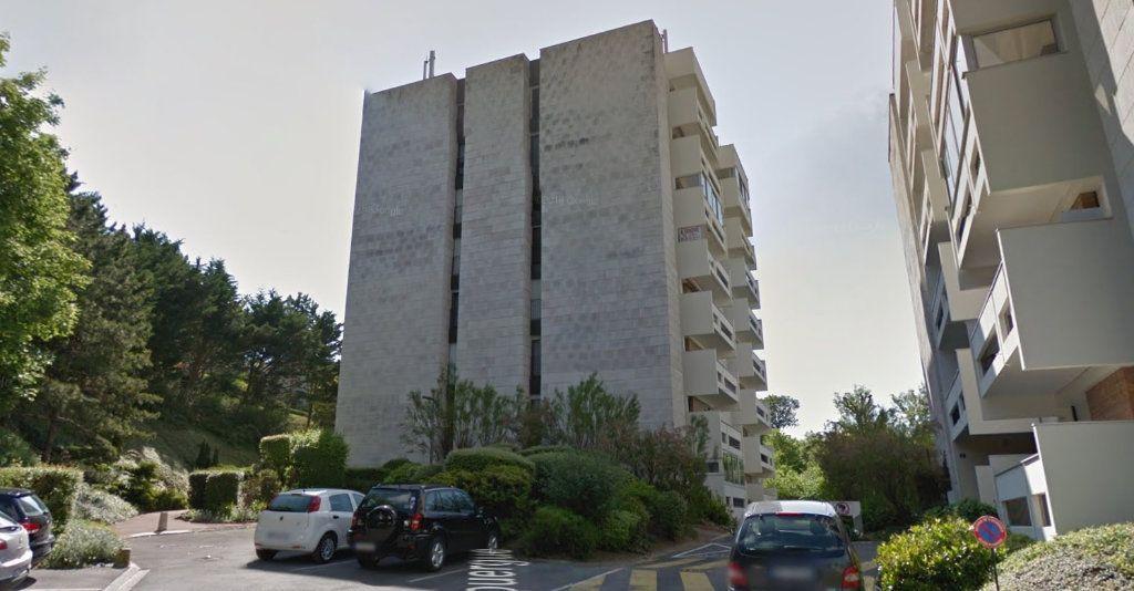 Appartement à vendre 3 69.91m2 à Épernay vignette-2
