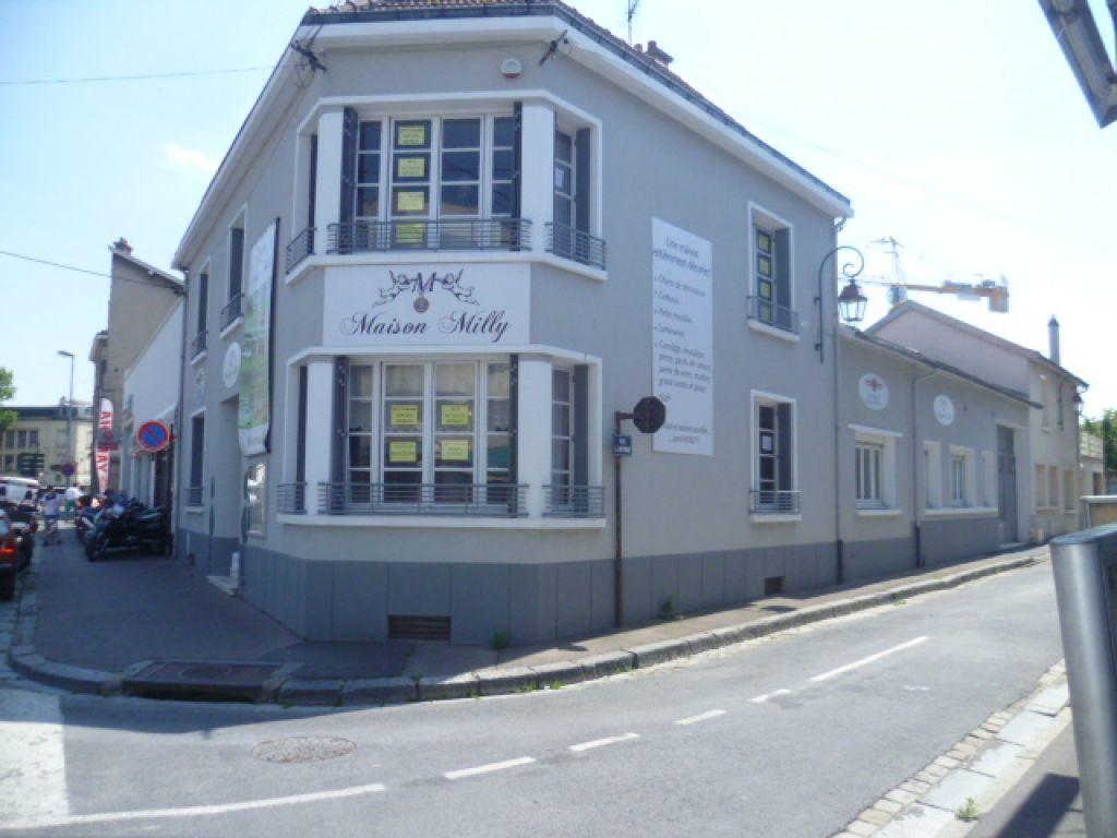 Maison à vendre 8 192.93m2 à Épernay vignette-2