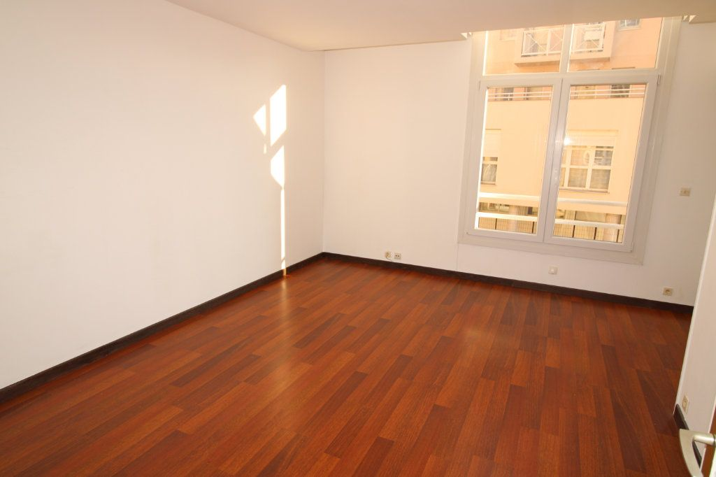 Appartement à vendre 3 69.34m2 à Épernay vignette-2