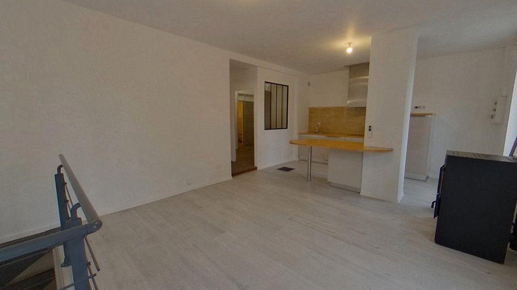 Appartement à vendre 3 62m2 à Épernay vignette-3