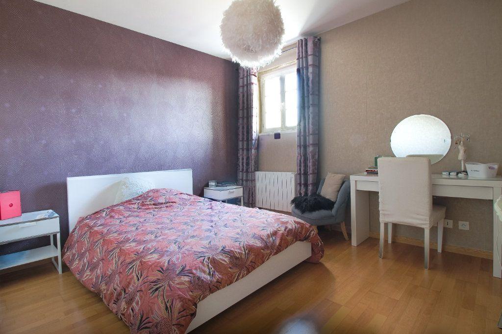 Appartement à vendre 4 75m2 à Épernay vignette-2