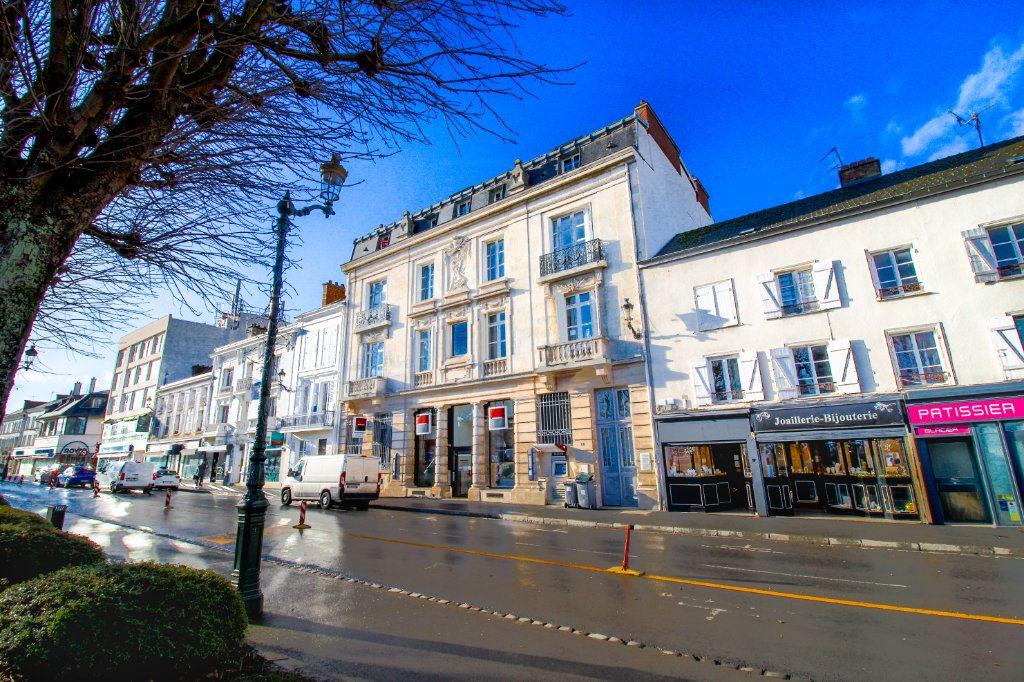 Appartement à vendre 4 75m2 à Épernay vignette-3