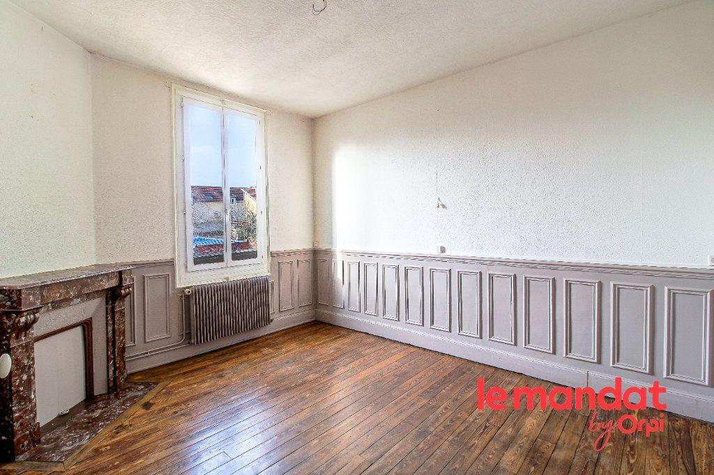 Maison à vendre 5 107m2 à Épernay vignette-4