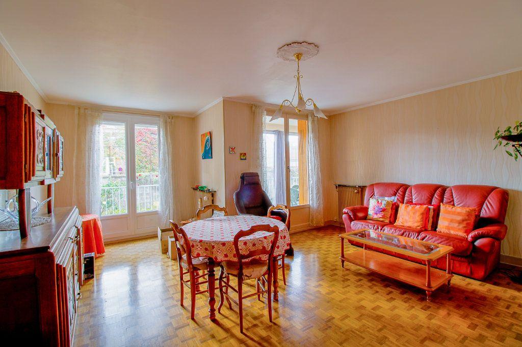 Appartement à vendre 3 75.61m2 à Épernay vignette-2