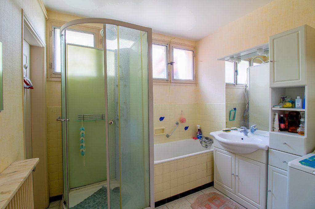 Appartement à vendre 3 75.61m2 à Épernay vignette-4