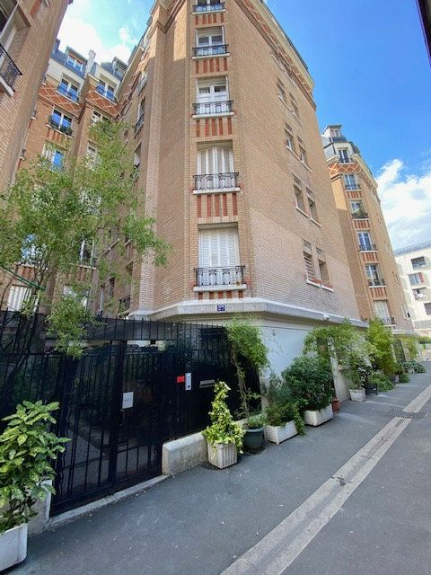 Appartement à vendre 2 44.74m2 à Paris 20 vignette-1