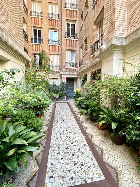 Appartement à vendre 2 44.74m2 à Paris 20 vignette-3