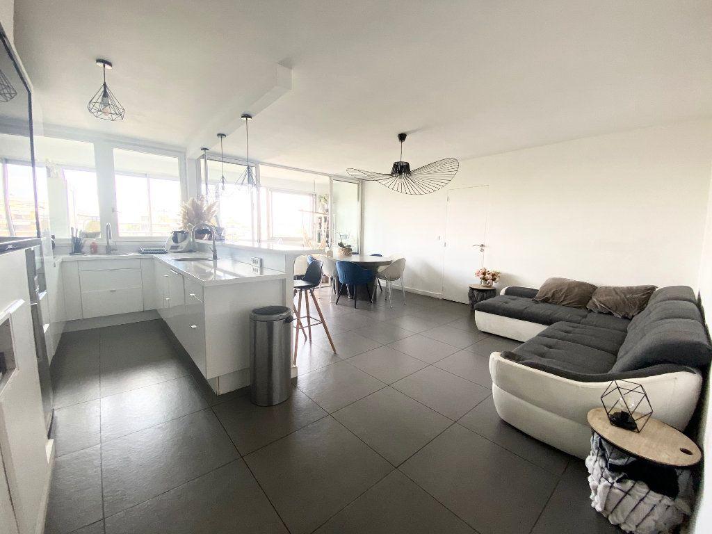 Appartement à vendre 4 90.87m2 à Charenton-le-Pont vignette-1