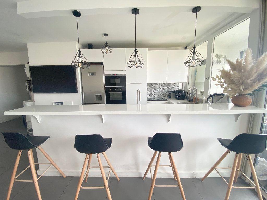Appartement à vendre 4 90.87m2 à Charenton-le-Pont vignette-2