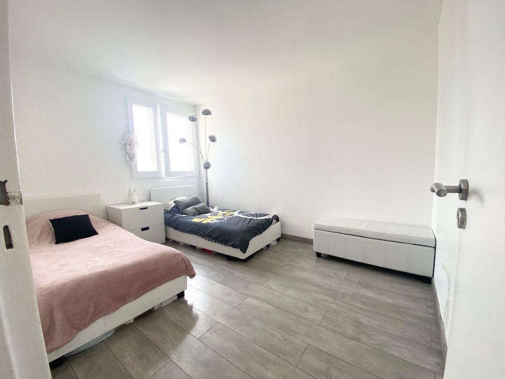 Appartement à vendre 4 90.87m2 à Charenton-le-Pont vignette-5