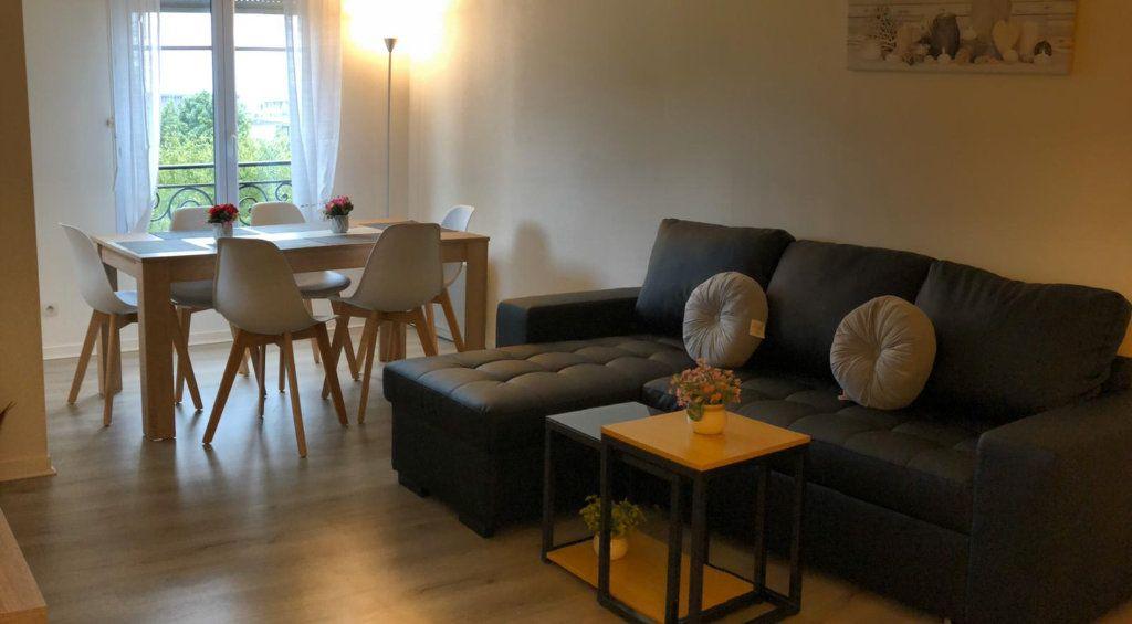 Appartement à louer 3 69m2 à Serris vignette-2