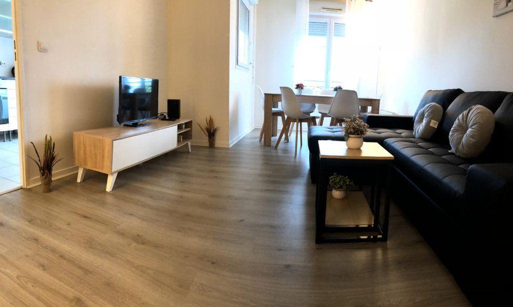 Appartement à louer 3 69m2 à Serris vignette-3