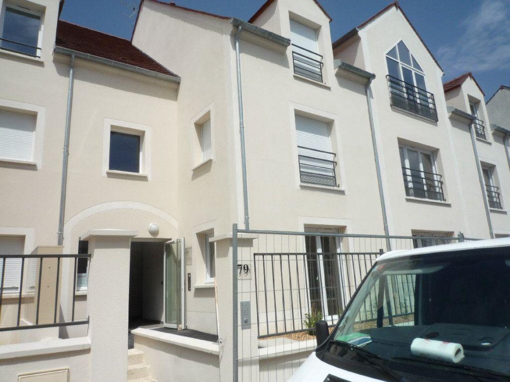 Appartement à louer 1 24m2 à Montévrain vignette-1