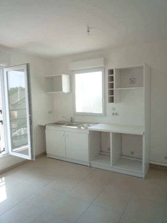 Appartement à louer 1 24m2 à Montévrain vignette-2