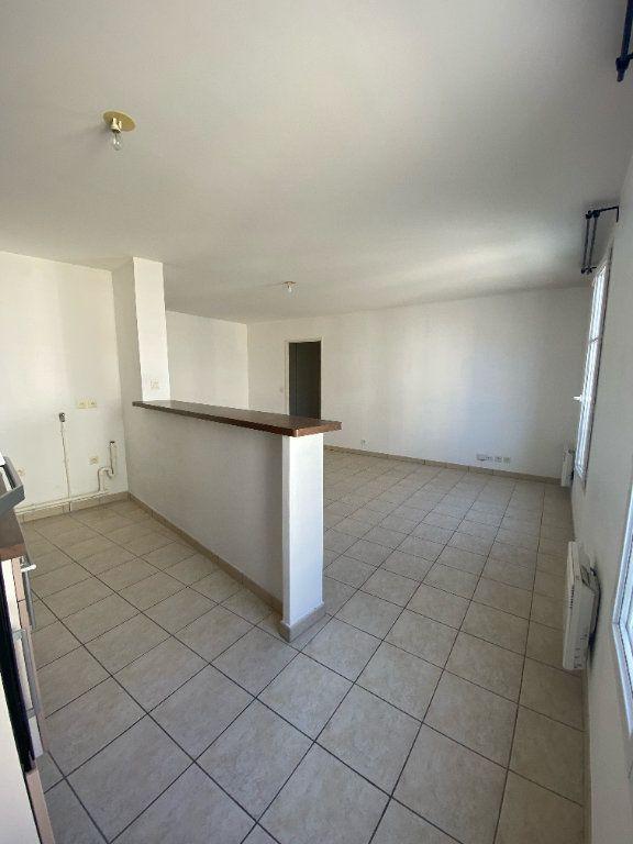 Appartement à louer 3 59m2 à Magny-le-Hongre vignette-3