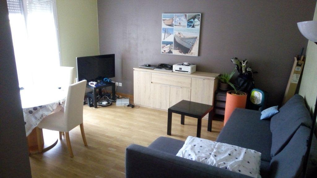 Appartement à louer 2 42.72m2 à Magny-le-Hongre vignette-2