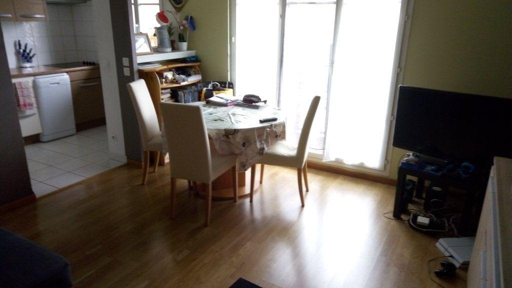 Appartement à louer 2 42.72m2 à Magny-le-Hongre vignette-3
