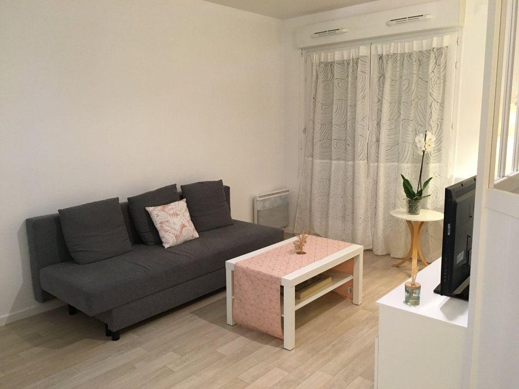 Appartement à louer 1 30m2 à Serris vignette-3