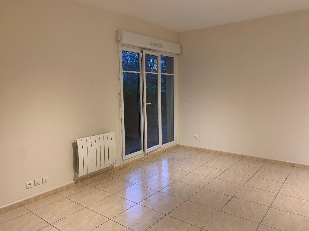 Appartement à louer 3 58.5m2 à Montévrain vignette-2