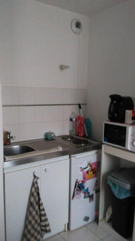 Appartement à louer 1 30m2 à Magny-le-Hongre vignette-5