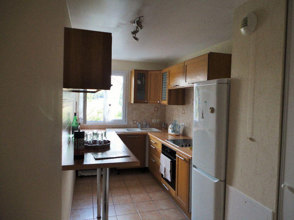 Appartement à louer 3 63.1m2 à Magny-le-Hongre vignette-3