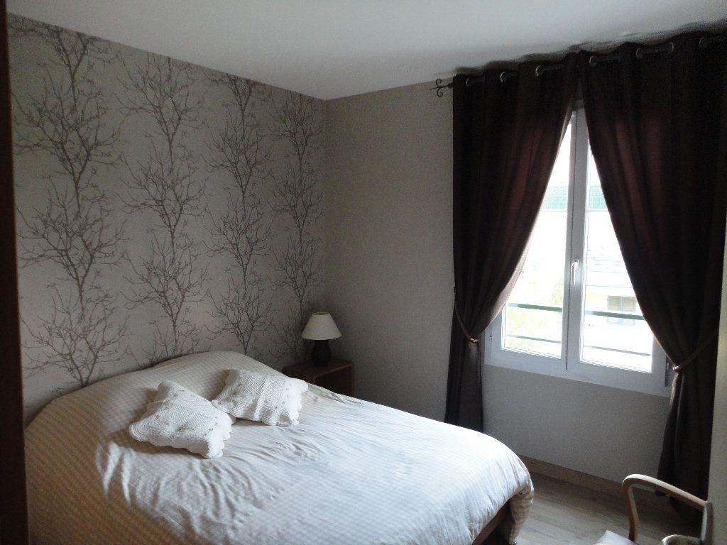 Appartement à louer 3 63.1m2 à Magny-le-Hongre vignette-4