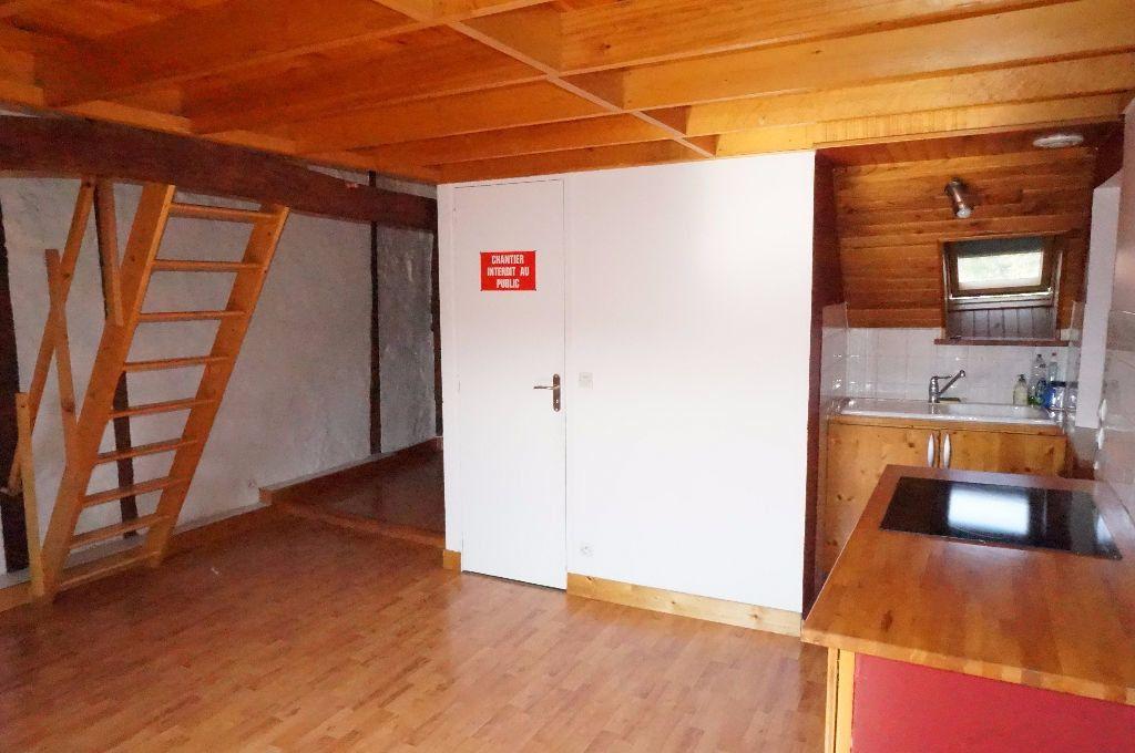 Appartement à louer 2 30.53m2 à Crécy-la-Chapelle vignette-1