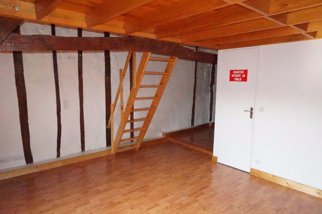 Appartement à louer 2 30.53m2 à Crécy-la-Chapelle vignette-4