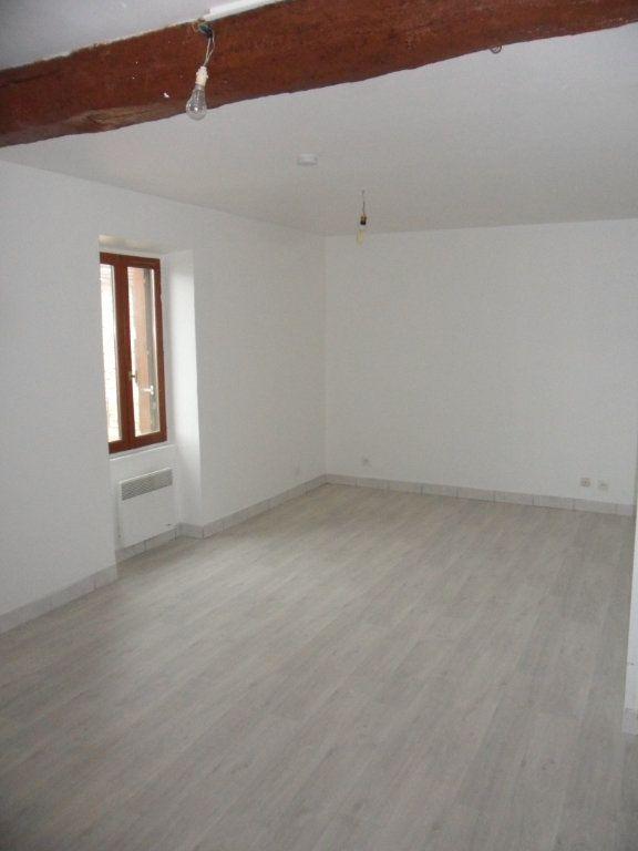 Appartement à louer 3 51.8m2 à Bouleurs vignette-1