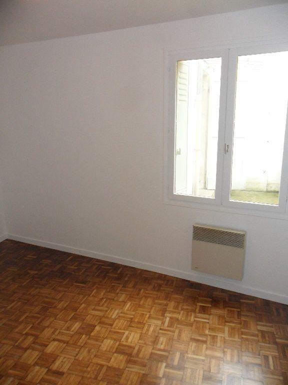 Appartement à louer 2 29.33m2 à Crécy-la-Chapelle vignette-3
