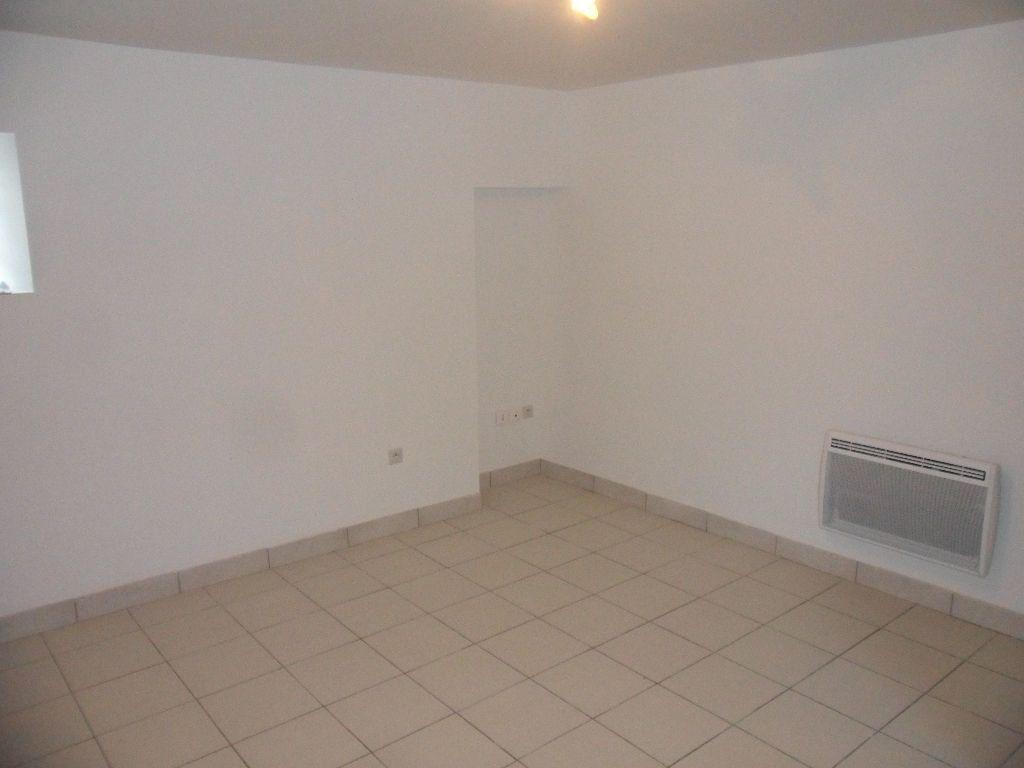 Appartement à louer 2 25.95m2 à Crécy-la-Chapelle vignette-2