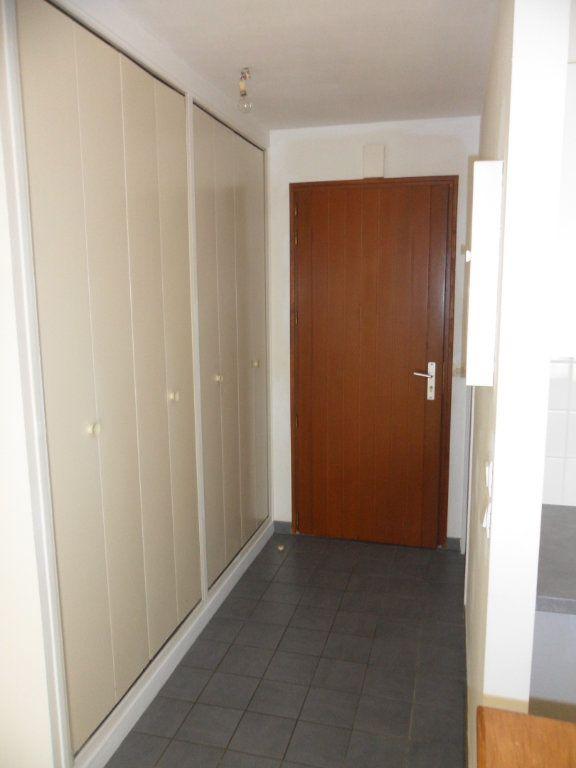Appartement à louer 1 30.43m2 à Crécy-la-Chapelle vignette-5
