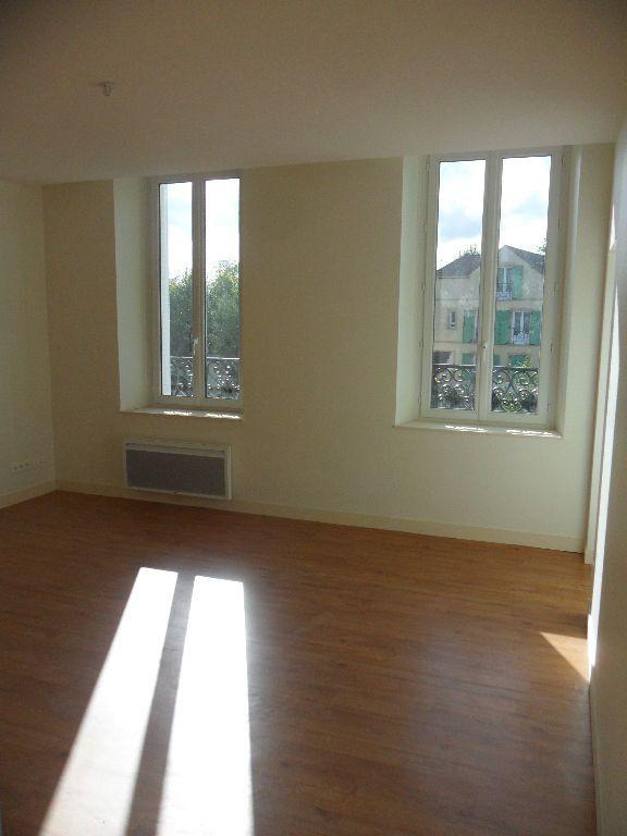 Appartement à louer 2 39.65m2 à Vignely vignette-2