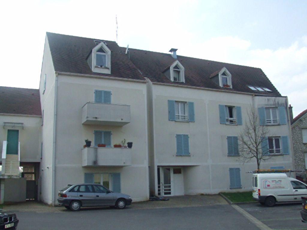Appartement à louer 1 24.8m2 à Crécy-la-Chapelle vignette-1