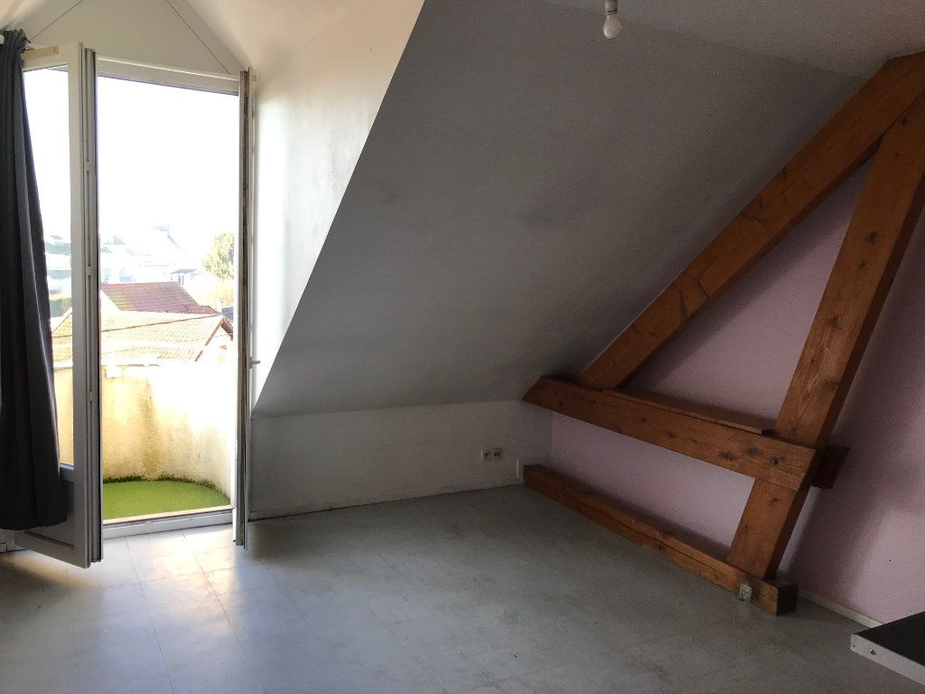 Appartement à louer 1 24.8m2 à Crécy-la-Chapelle vignette-4
