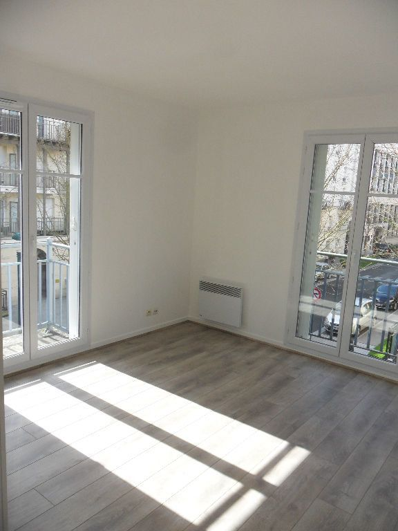 Appartement à louer 4 73.17m2 à Chessy vignette-3