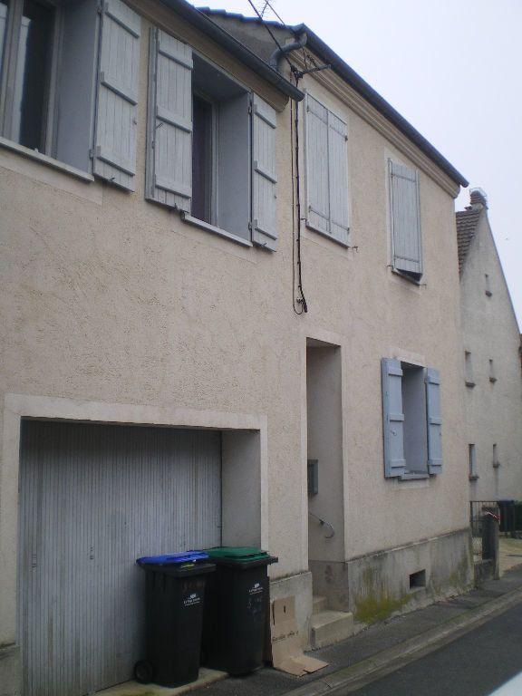 Appartement à louer 2 30.17m2 à Crécy-la-Chapelle vignette-1