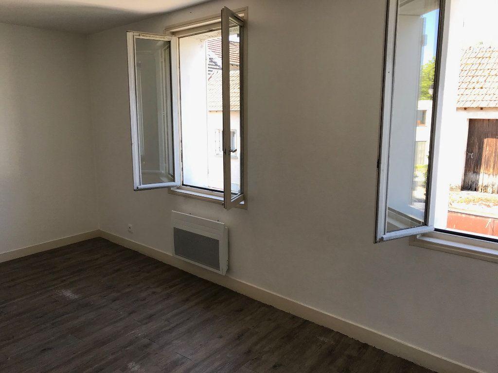 Appartement à louer 2 30.17m2 à Crécy-la-Chapelle vignette-3