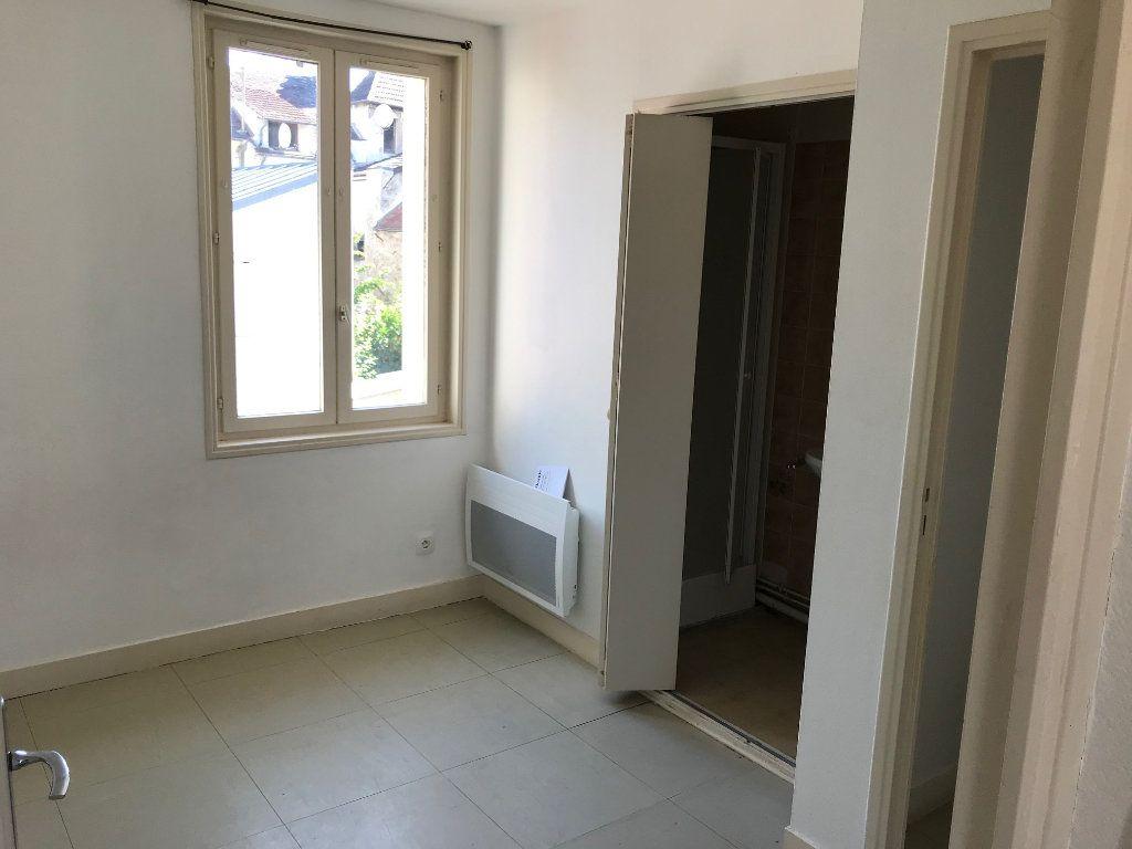 Appartement à louer 2 30.17m2 à Crécy-la-Chapelle vignette-5