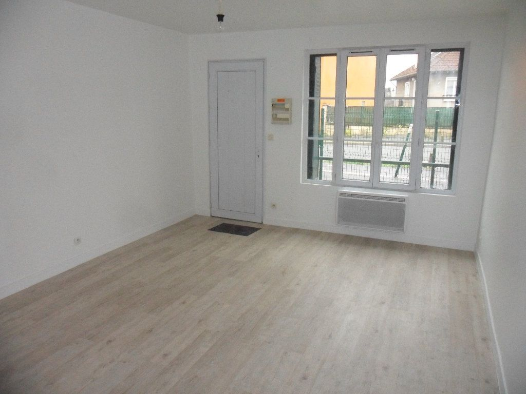 Appartement à louer 1 21.6m2 à Mouroux vignette-2